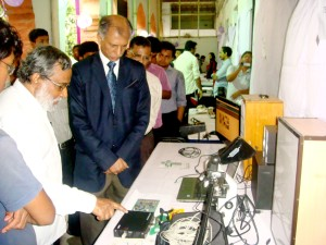 The honorable VC visits our exhibition stalls